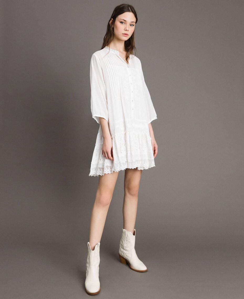 Caftan en mousseline orné de broderies et de dentelle Off White Femme 191MT2270-01