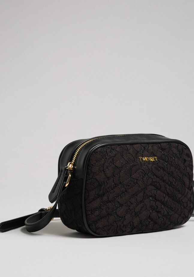 Shoulder bag with quilted lace