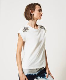 T-shirt with patch embroidery Off White/Patch Embroidery Woman 211MT2668-05