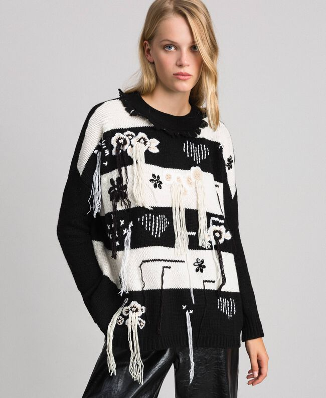 "Two-tone jumper with fringes and embroideries Bicolour ""Snow"" White / Black Woman 192TT3371-01"