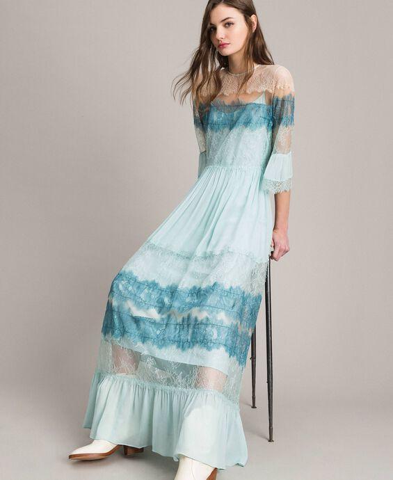 Robe longue en georgette et dentelle