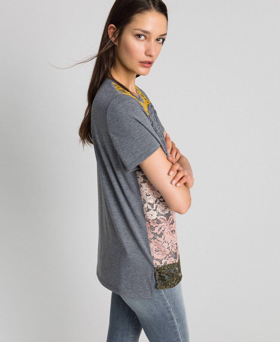 T-Shirt mit Color-Block-Spitze Spitze mehrfarbig Frau 192MP2294-02