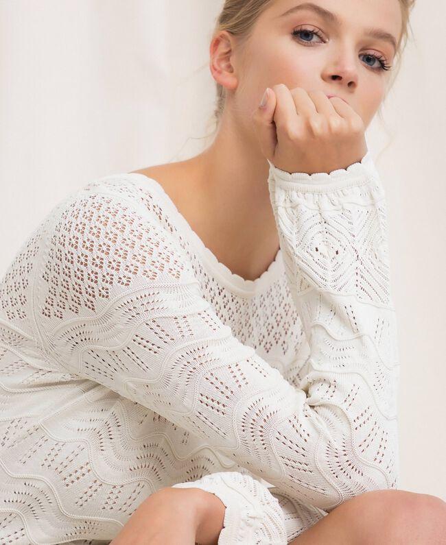 Ажурное трикотажное платье Белый Снег женщина 201TP3210-05