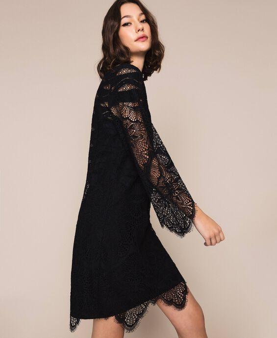Платье из кружева макраме