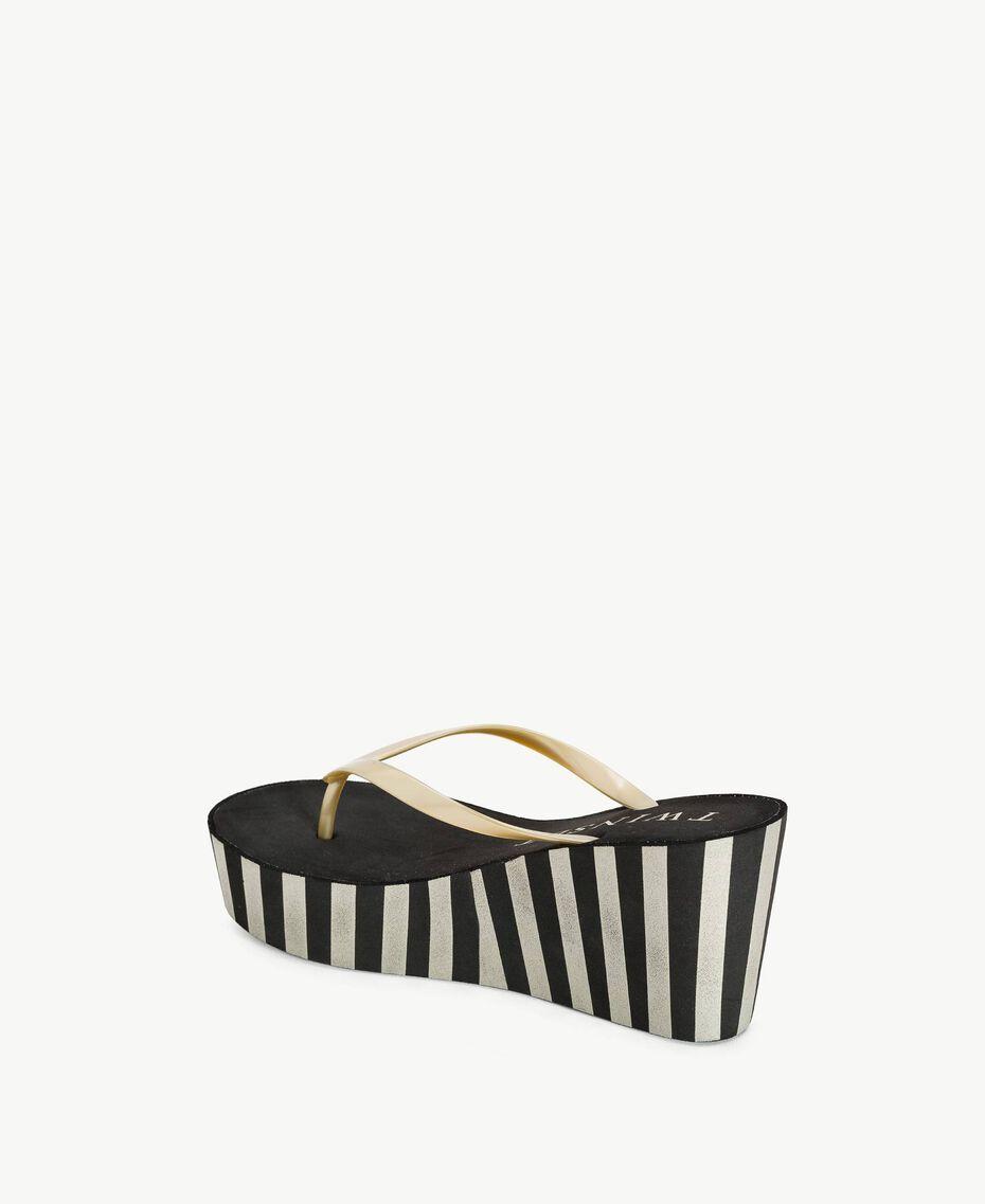 Platform flip flop shoes Two-tone Black / Gold Woman BS83JJ-03