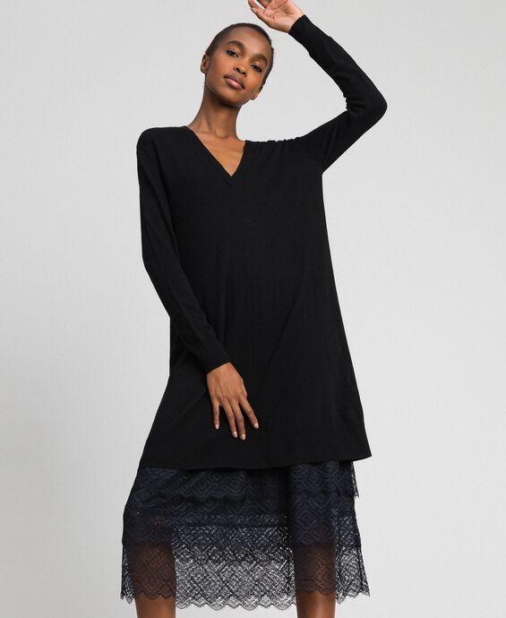 Трикотажное платье с нижней комбинацией из крепа и кружева