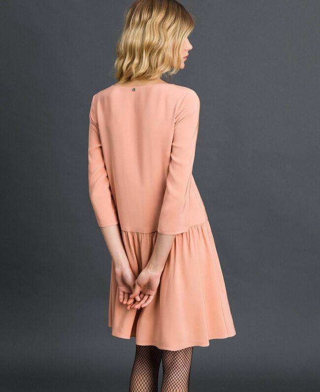 Kleid aus Georgette mit abnehmbarem Schmuck Schwarz Frau 192TP2110-03