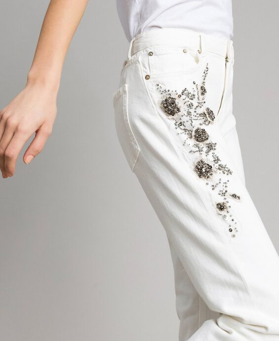 Drill trousers with embroidery