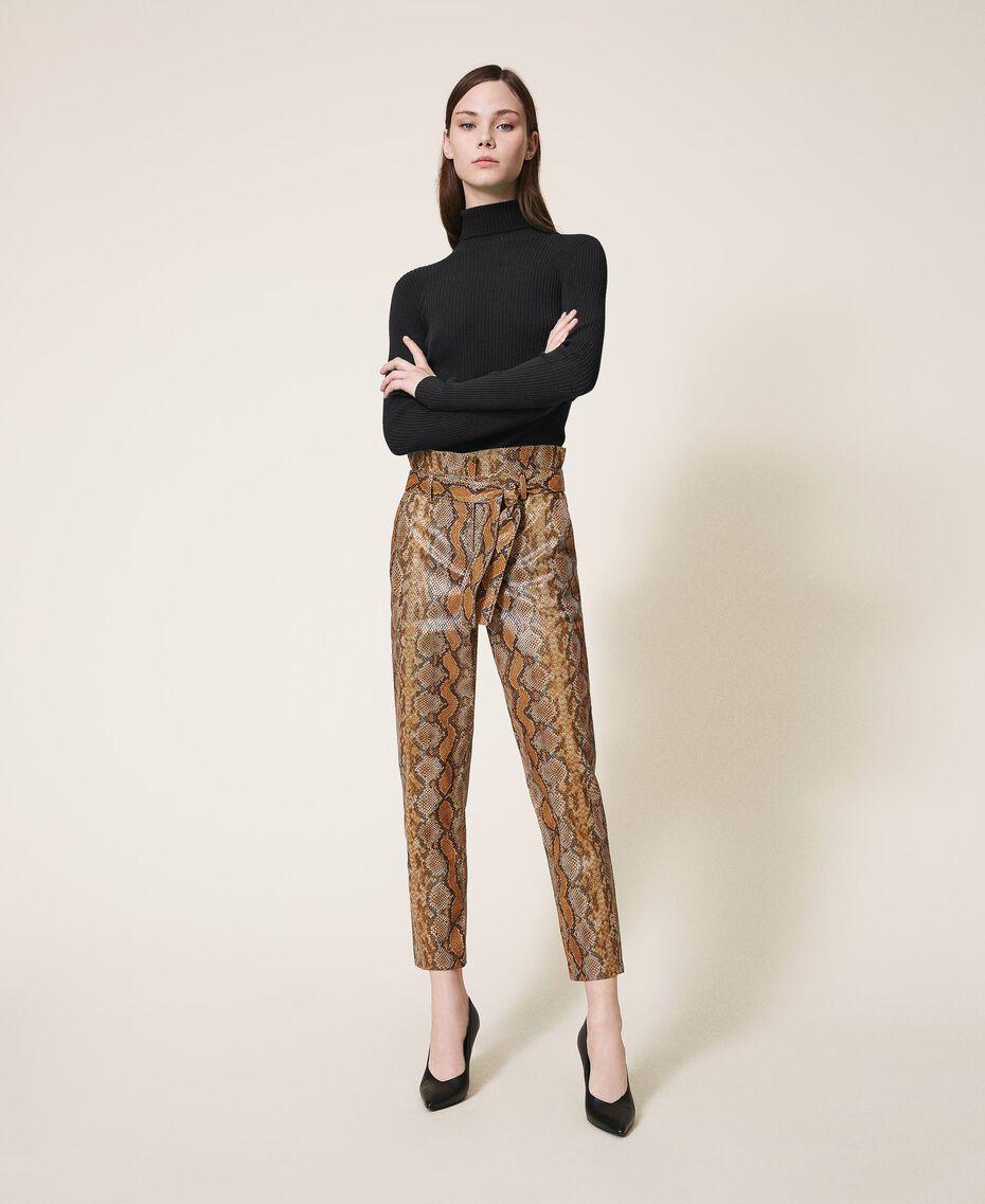 Pantalon en similicuir animalier Imprimé Serpent Noisette / Tabac Femme 202TT2225-01