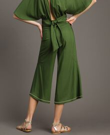 Cropped trousers Amazon Green Woman 191LM2REE-03