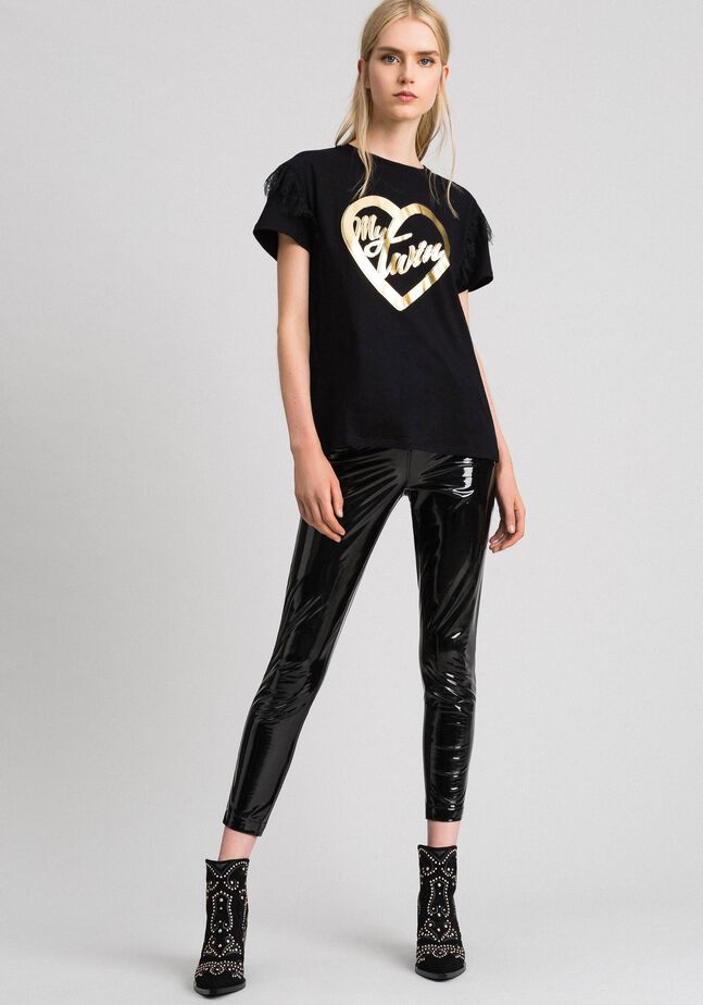 T-shirt with golden print and lace