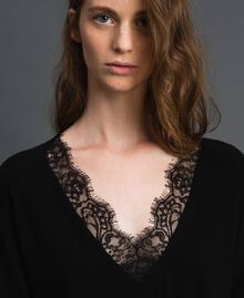 Top with lace Black Woman 192TP3161-04
