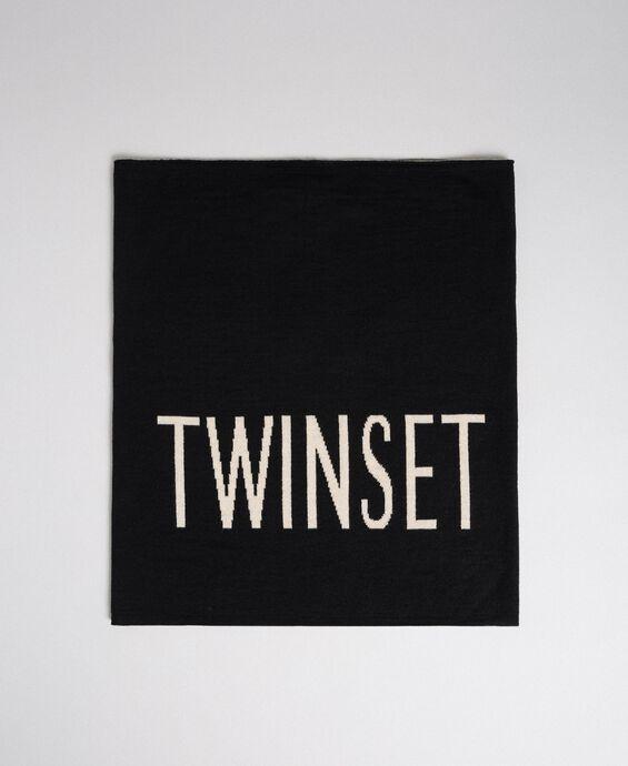 Wool blend collar with jacquard logo