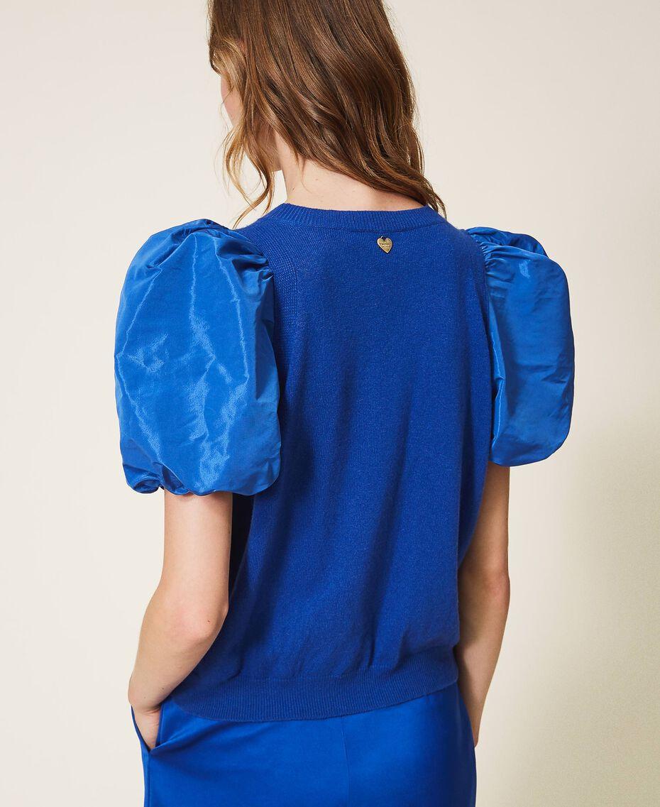 Pullover aus Wollmischung mit Taftärmeln Dunkles Kornblumenblau Frau 202TP3250-03