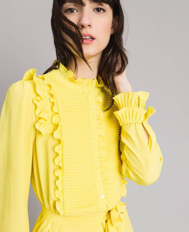 Hemdblusenkleid aus Seidenmischung mit Rüschen Gelb Frau 191TP2137-03