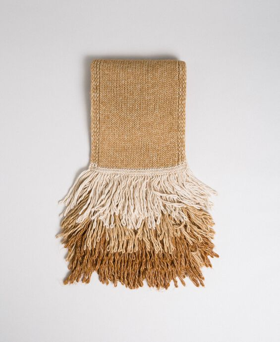 Knit scarf with fringes