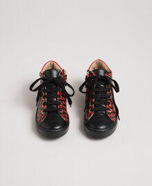 Sneakers in pelle con stampa cuori Stampa Cuoricini Bambina 192GCJ02G-04