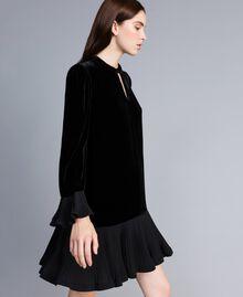 Robe en velours avec plissé Noir Femme TA828P-03