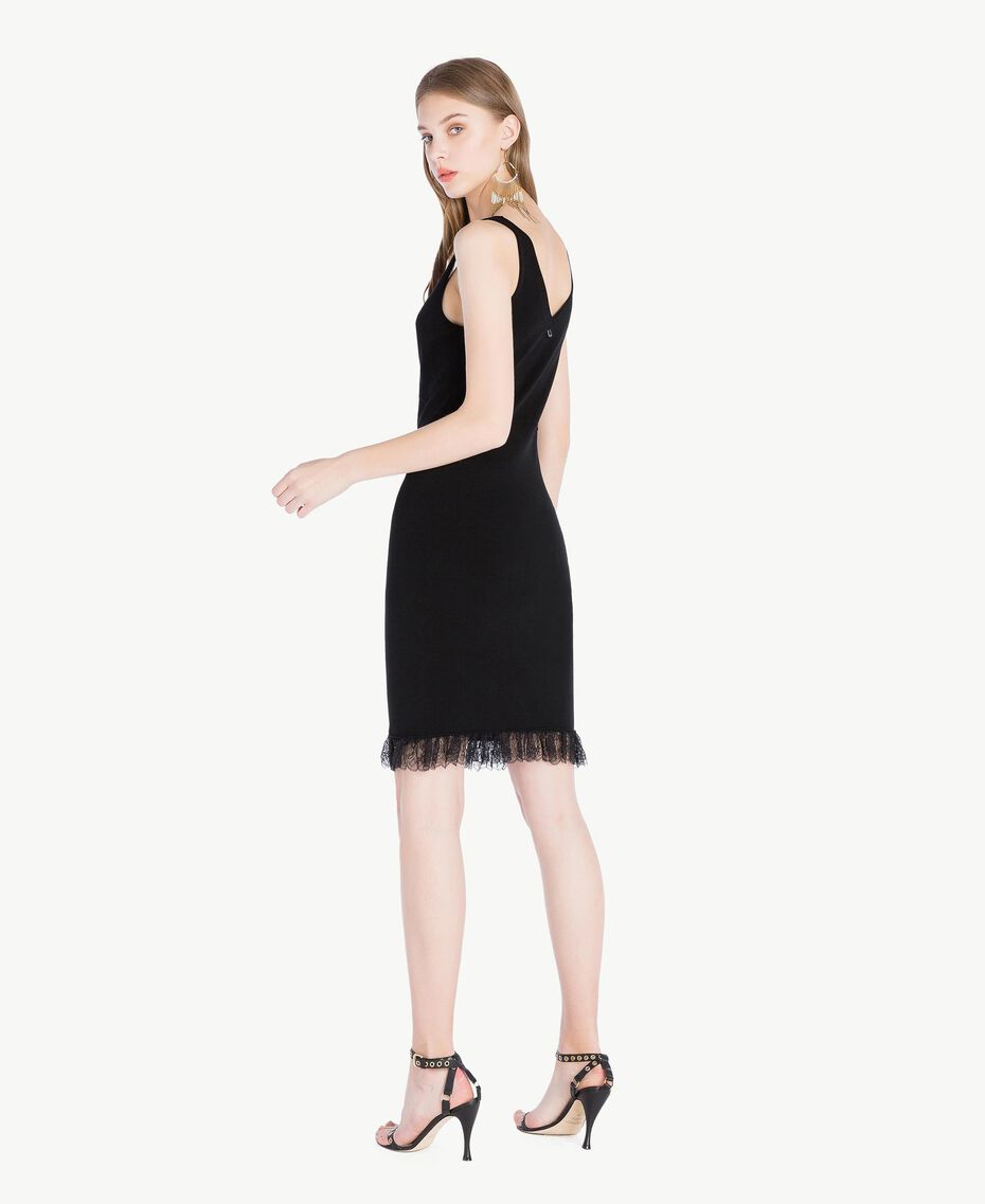 Kleid aus Viskose Schwarz Frau TS832Q-03