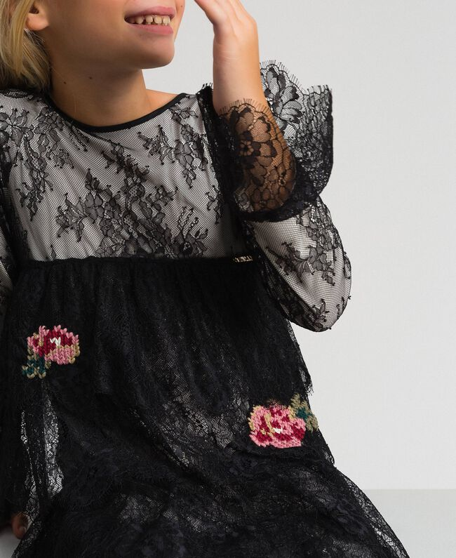 Robe en dentelle de Chantilly avec roses brodées Bicolore Noir / Chantilly Enfant 192GJ2670-04
