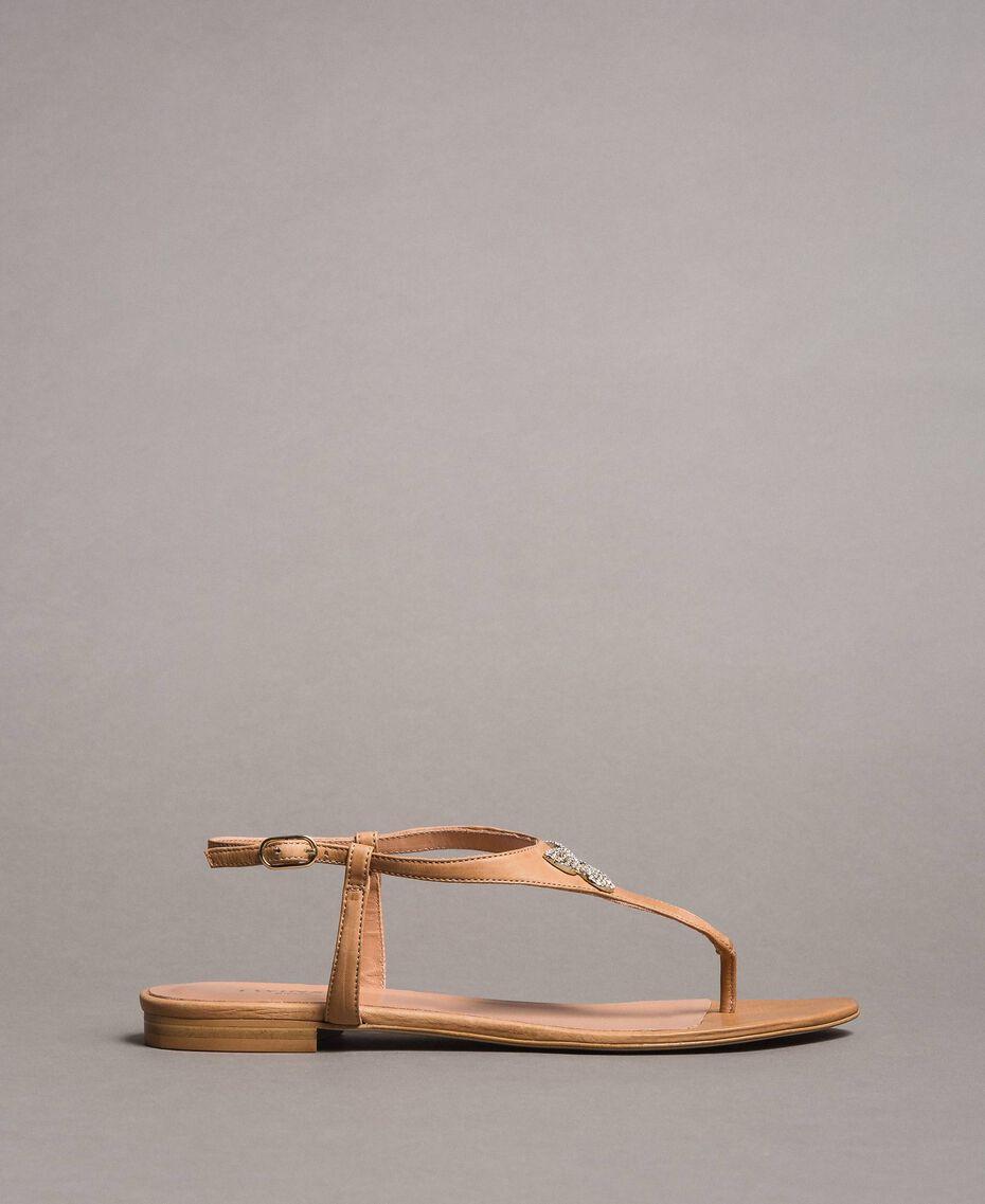 Sandales en cuir avec papillon bijou Beige Nougat Femme 191TCT090-02