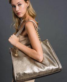 Reisetasche aus Lederimitat in Glitzeroptik Gold Gelb Frau 192LL7ZFF-0S