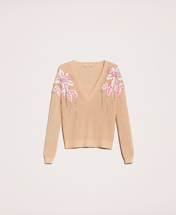 Boxy jumper with floral patches and embroideries