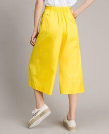 "Pantalones recortados de popelina Amarillo ""Fresia"" Mujer 191MP2212-03"
