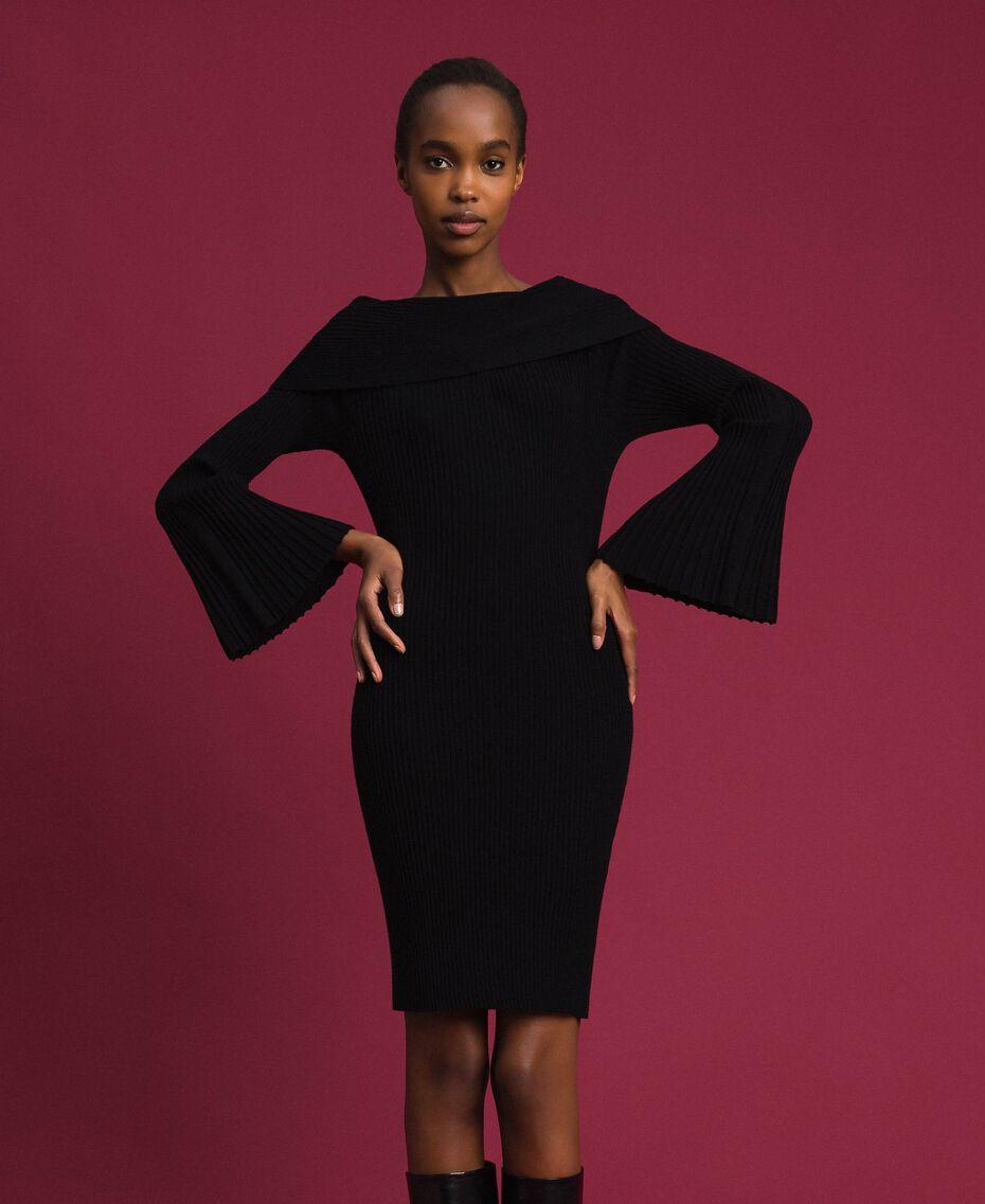 Jacquard inlay sheath dress Two-tone Black / Lily Woman 192MP3011-01