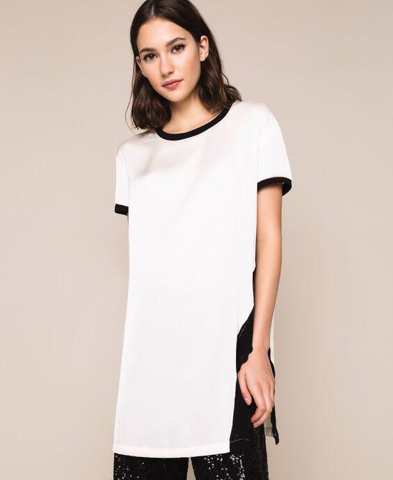 Атласная блуза с кружевом и отделкой в рубчик