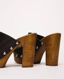Pantolette aus Leder Schwarz Frau 201MCT01E-04