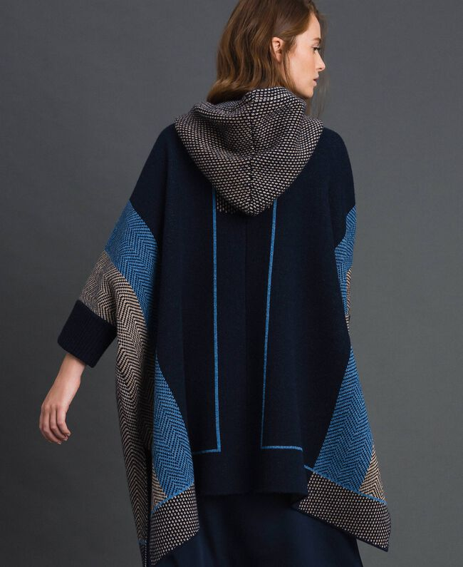 Wool blend cape with jacquard patterns Night Blue Chevron Jacquard Woman 192ST3030-04