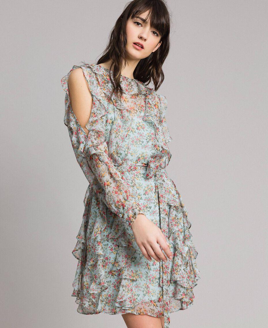 1695c732440 Платье из жоржета в горошек с воланом женщина