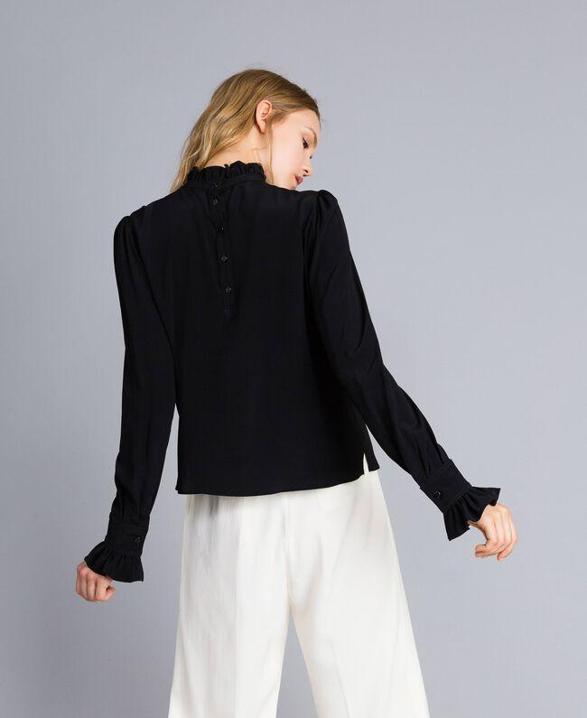 Bluse aus Seidenmischung mit Rüschen Schwarz Frau TA823D-03