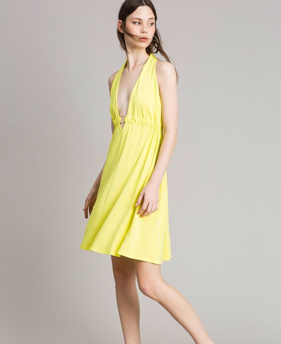 Kleid aus Kreppjersey mit Zierring