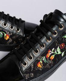 Sneakers aus Spitze und Leder mit Stickerei Schwarz Frau CA8PBN-04