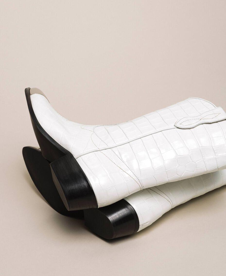 """Кожаные ковбойские полусапожки с крокодиловым принтом Принт Крокодил Белый """"Снег"""" женщина 201TCP040-02"""