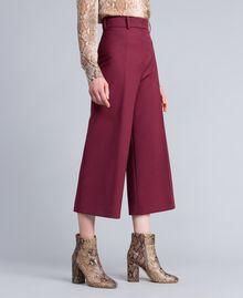 Cool wool cropped trousers Bordeaux Woman PA823N-02