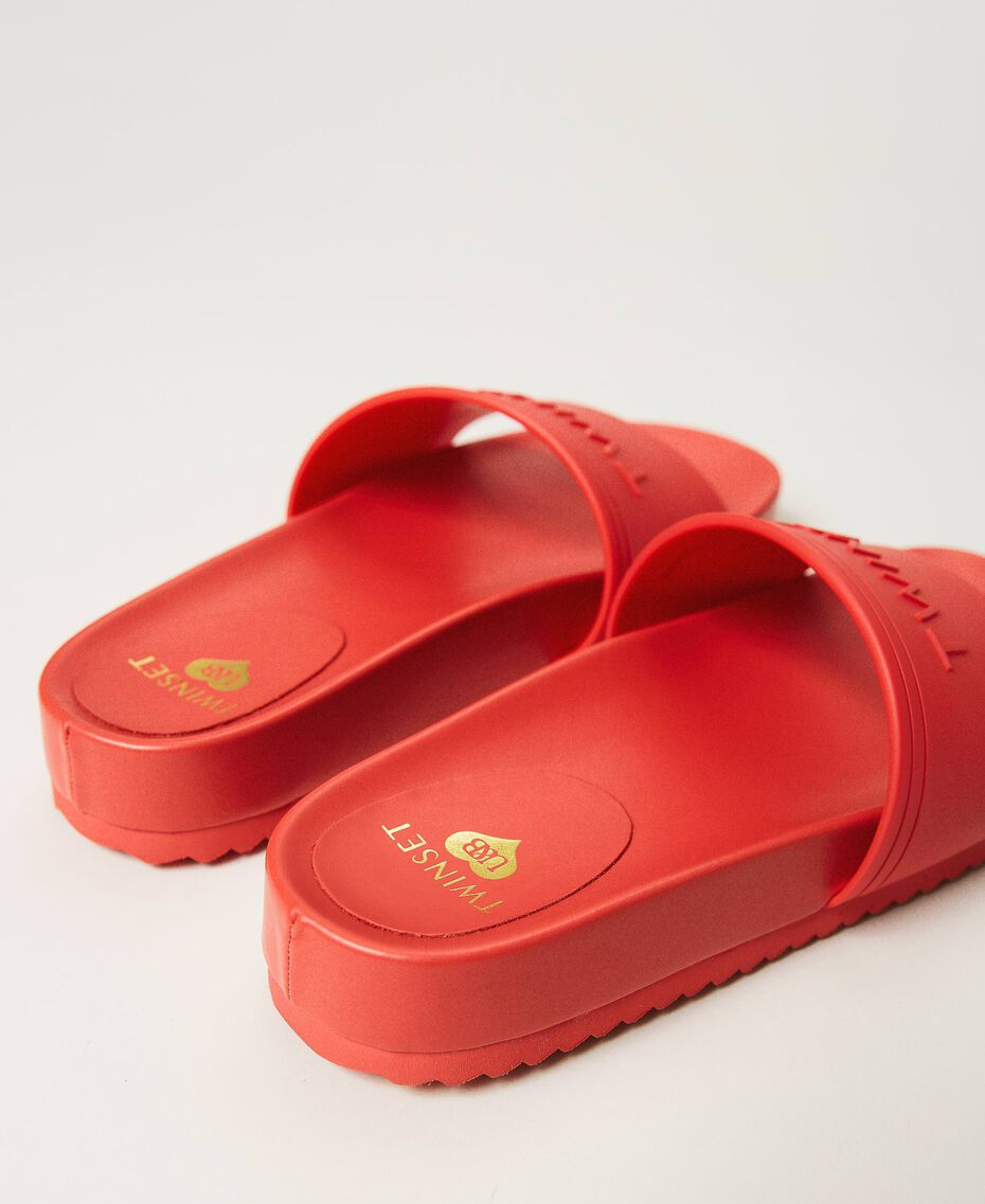 """Sliders with embossed logo """"Cherry Pink"""" Woman 211LMPZNN-02"""