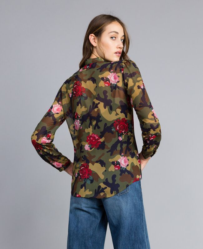 "Bluse mit Rosen-Camouflage-Print Print ""Rosen"" Camouflage Frau JA82PB-03"