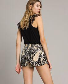 Matelassé-Shorts aus Baumwolle Gestempeltes Motiv Frau 191TT2192-03