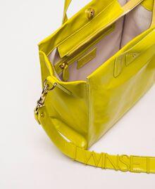 Mittelgroßer Shopper aus Leder mit Logo Lime Gelb Frau 201TO8091-05