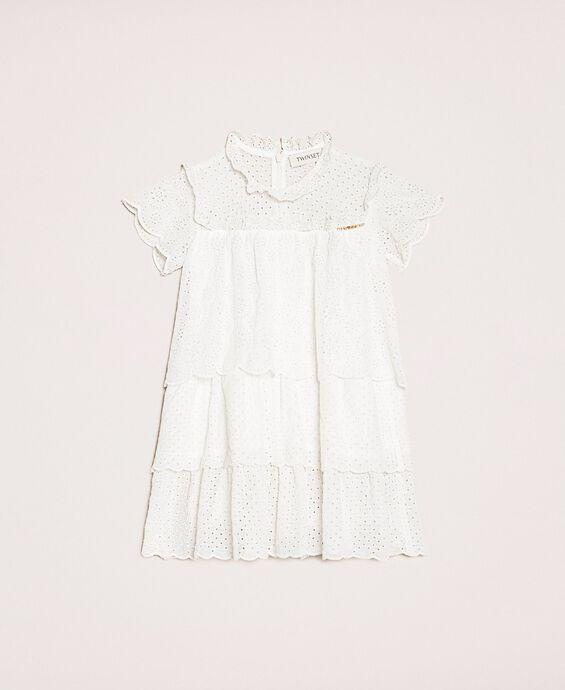 Платье из крепона с вышивкой сангалло