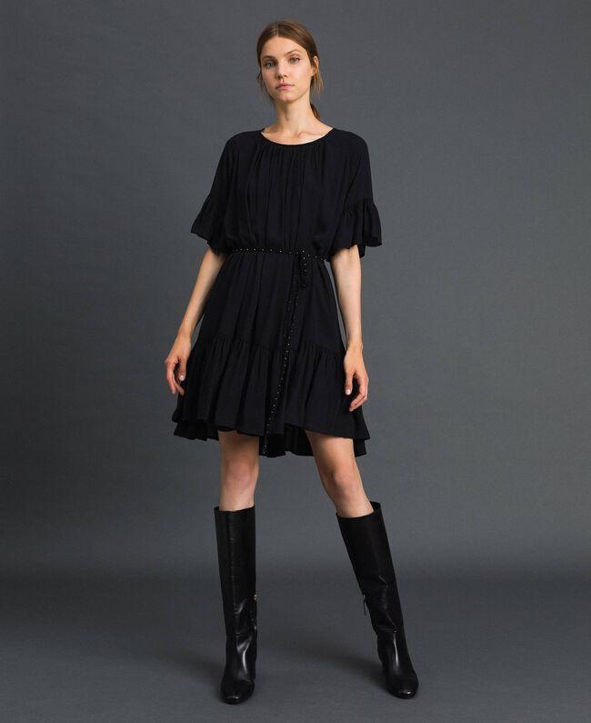 Kleid aus Crêpe de Chine mit Gürtel Schwarz Frau 192MP2163-01