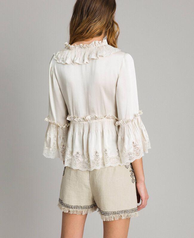 Seiden-Satin-Bluse mit Spitzenbesatz Weiß Schnee Frau 191TT2014-03