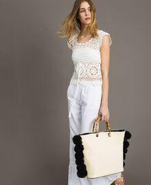 Shopper aus Stroh mit Pompons Zweifarbig Schneeweiß / Schwarz Frau 191TO8270-0S