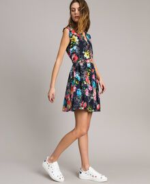 Kleid mit Blumenprint und geraffter Taille All Over Black Multicolour Flowers Motiv Frau 191MT2295-03