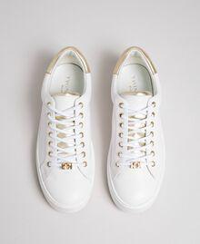 Sneakers aus Leder mit Kontrastdetail Schwarz Frau 192TCP06E-04