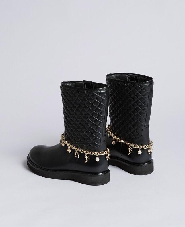 Stiefel aus Leder mit Charmkettchen Schwarz Frau CA8PLW-03