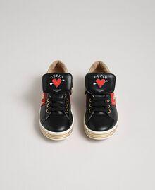 Sneakers aus Leder mit Herzen und Nieten Schwarz Kind 192GCJ012-04